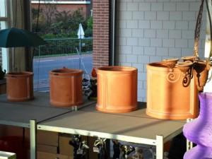 Kunststof bloembakken set te koop bij Veldt Restpartijen te Heerle