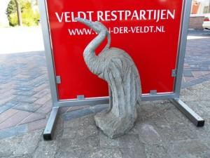 Reiger van natuursteen te koop bij Veldt Restpartijen te Heerle