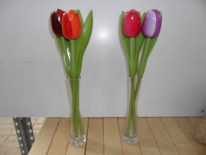 Glazen vaas met 3 Tulpen van Hout